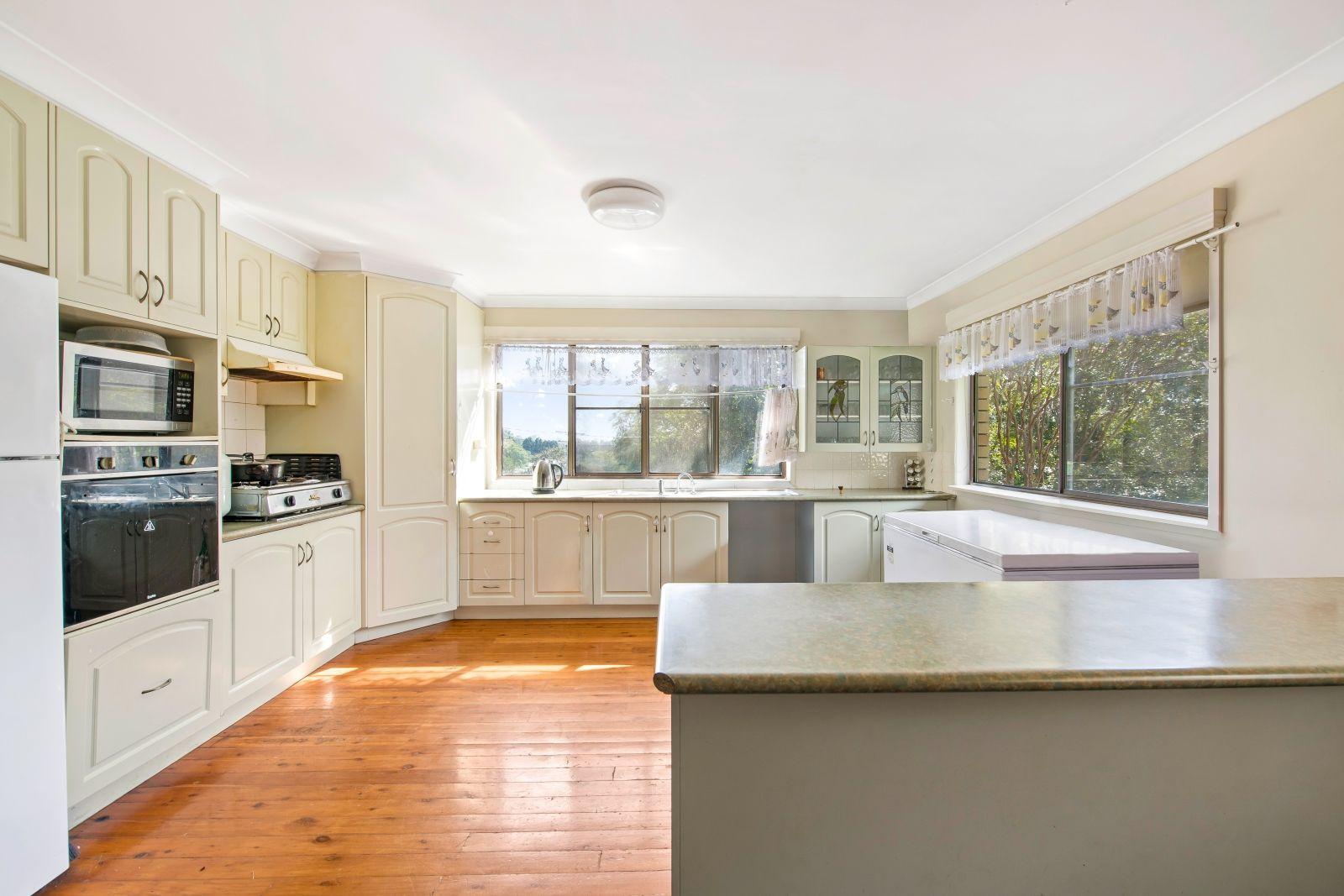 10 Herronbee Street, Rangeville QLD 4350, Image 1
