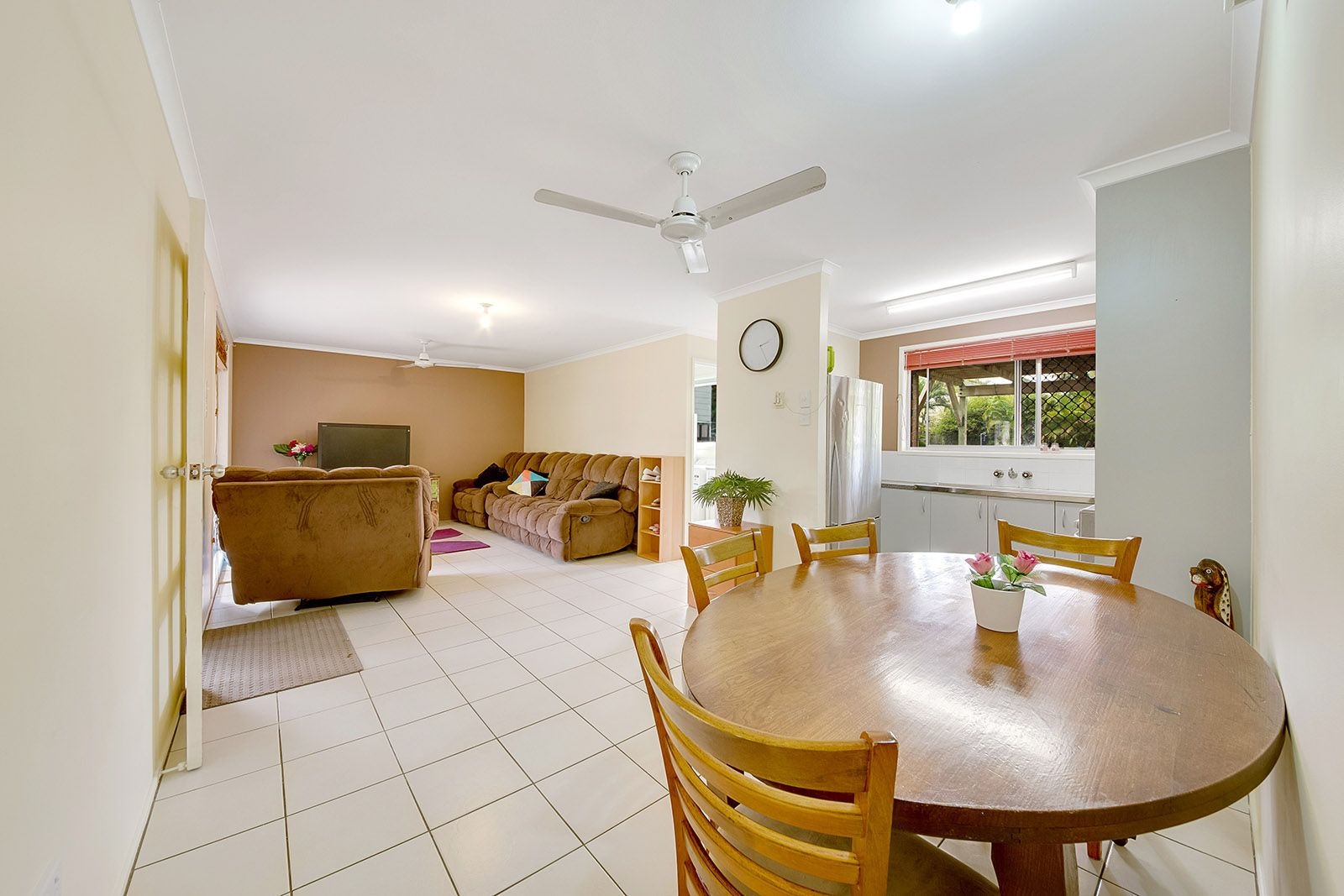 6 Andrew Court, Boyne Island QLD 4680, Image 2