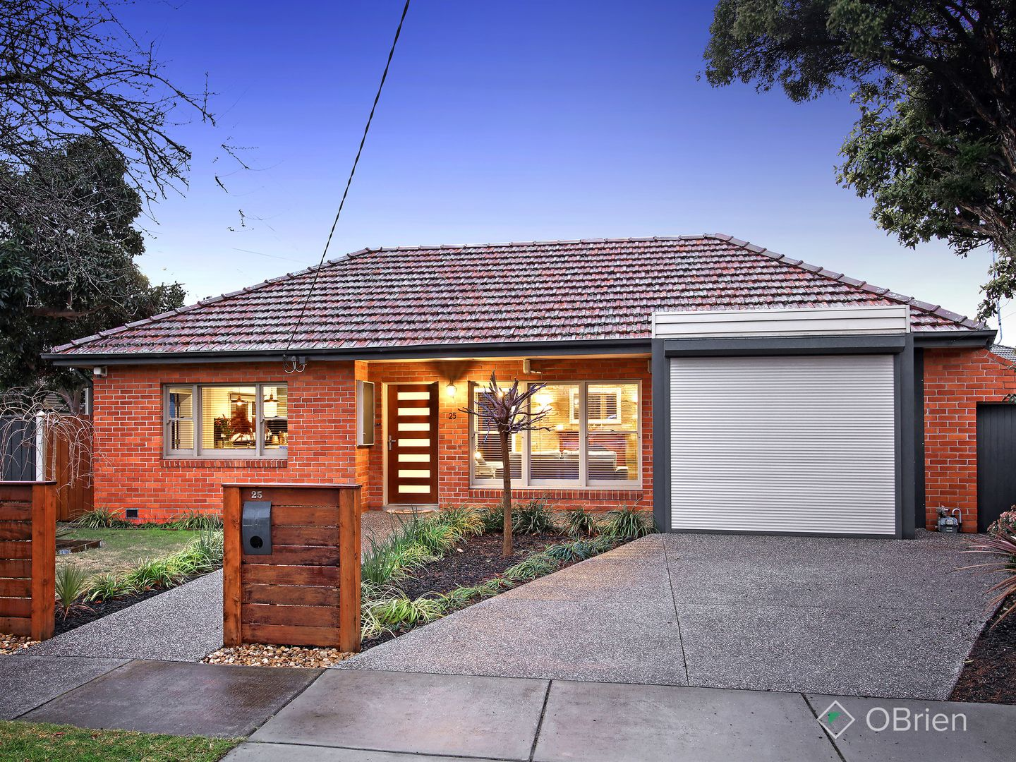 25 Surrey Crescent, Oakleigh East VIC 3166, Image 0