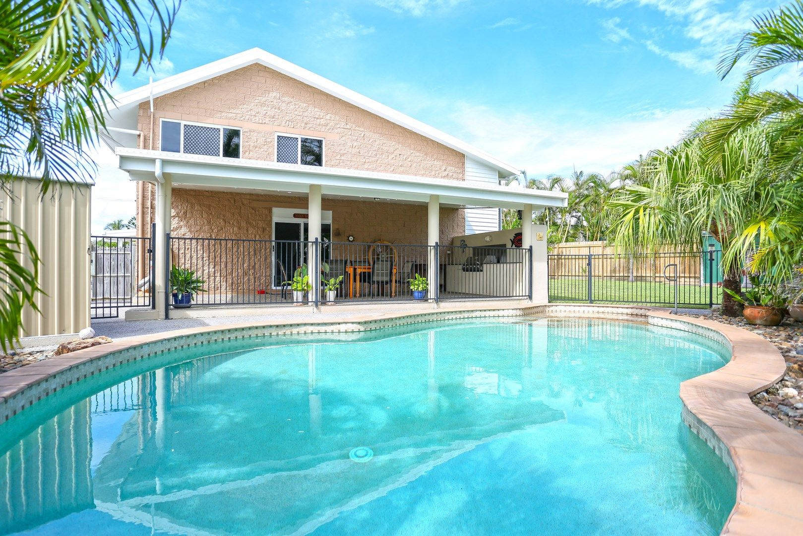 4 Cumberland Avenue, Slade Point QLD 4740, Image 0
