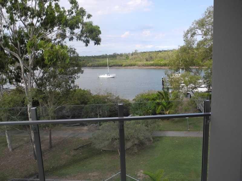 401/10 Wyndham Avenue, Boyne Island QLD 4680, Image 2