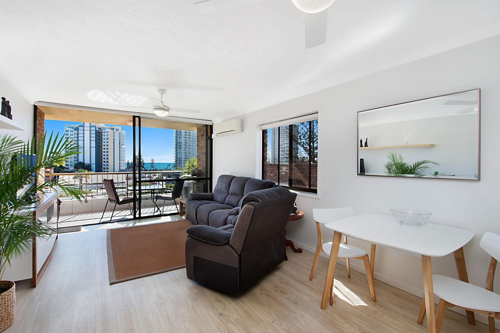 9 18 Lanham Street, Coolangatta QLD 4225, Image 2