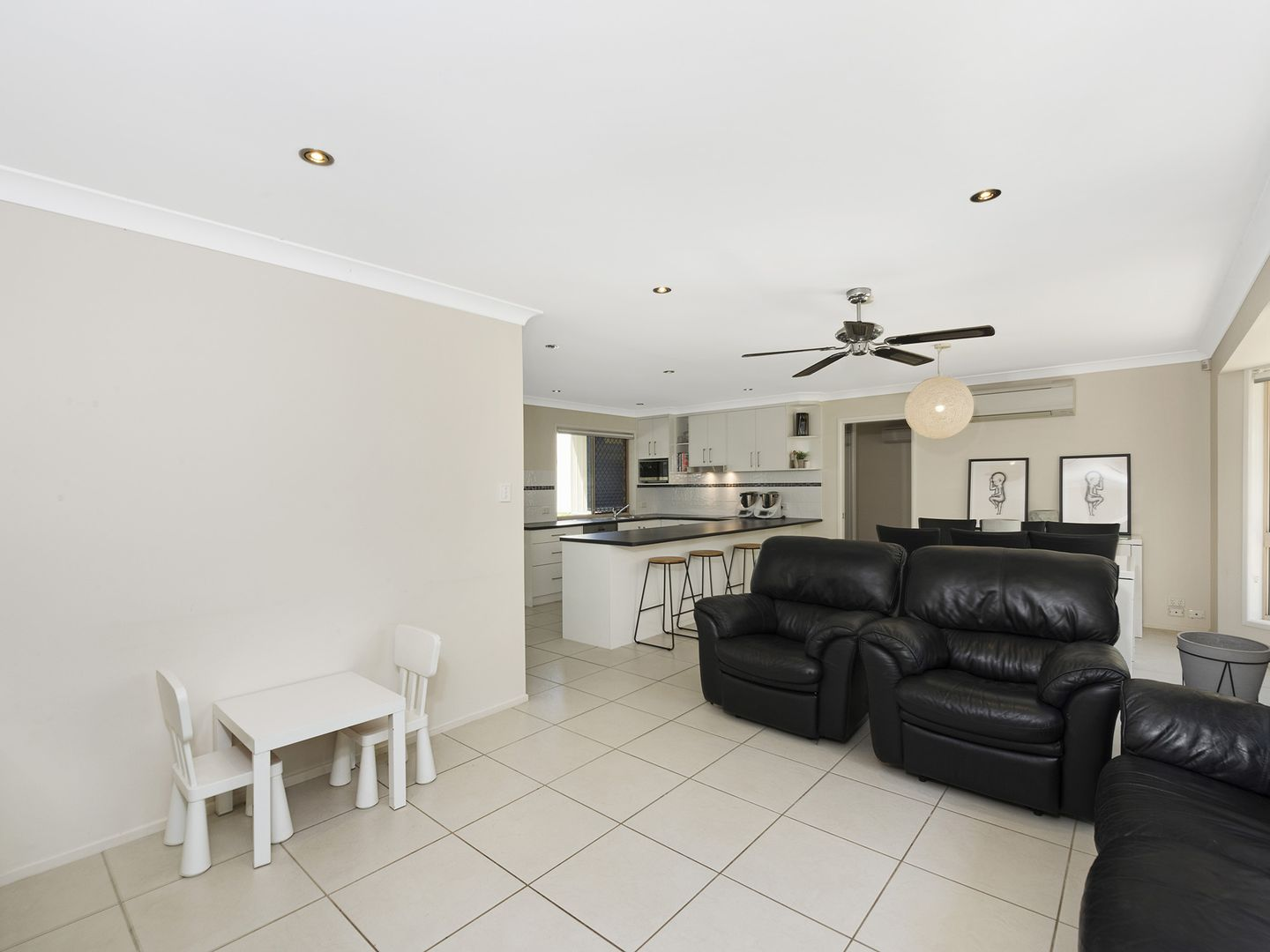 2 Martindale Place, Forest Lake QLD 4078, Image 2