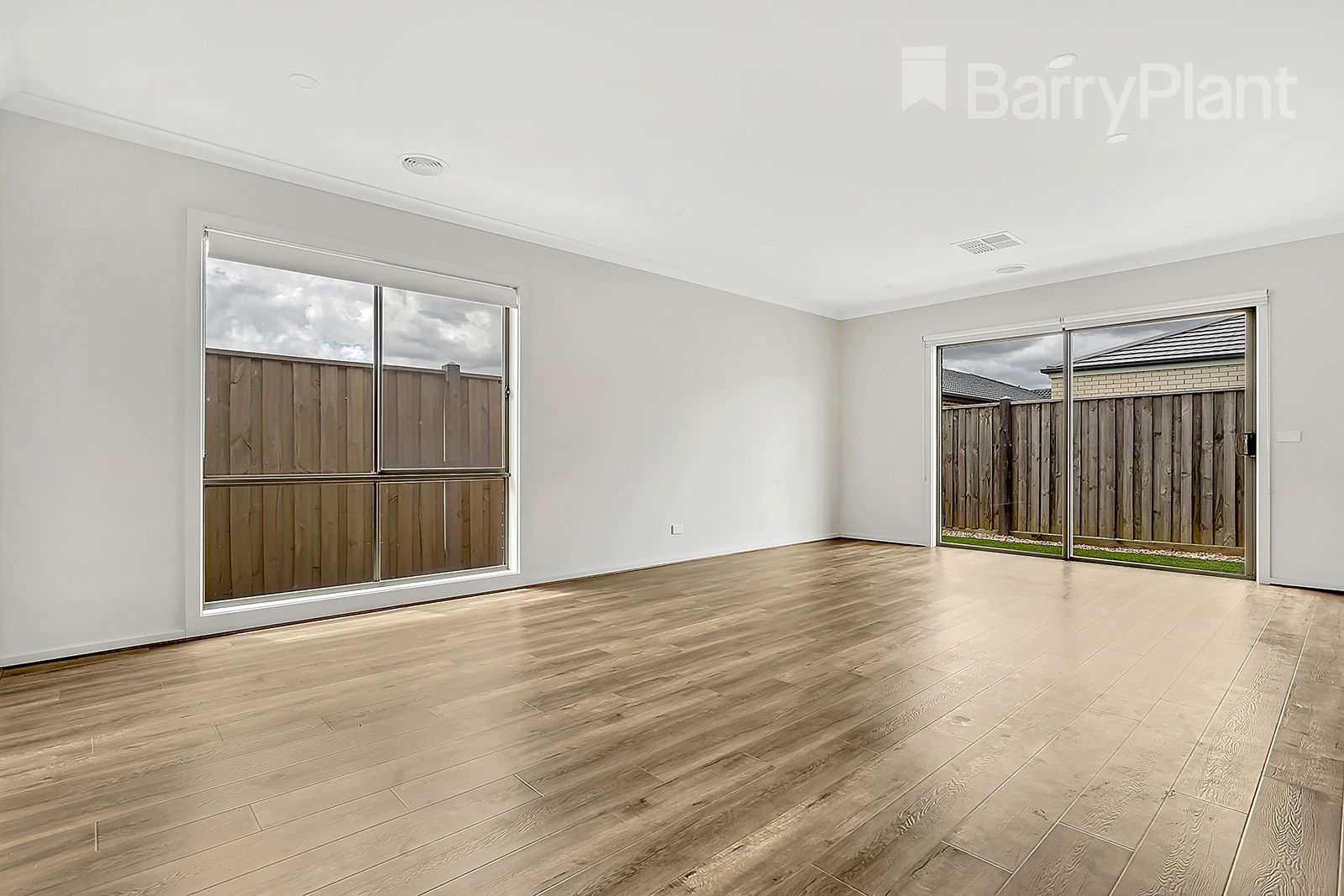 8 Bangalore Way, Mickleham VIC 3064, Image 2