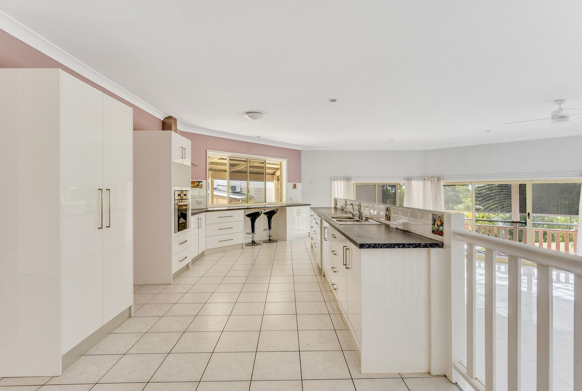 33 Tristania Way, Highland Park QLD 4211, Image 1