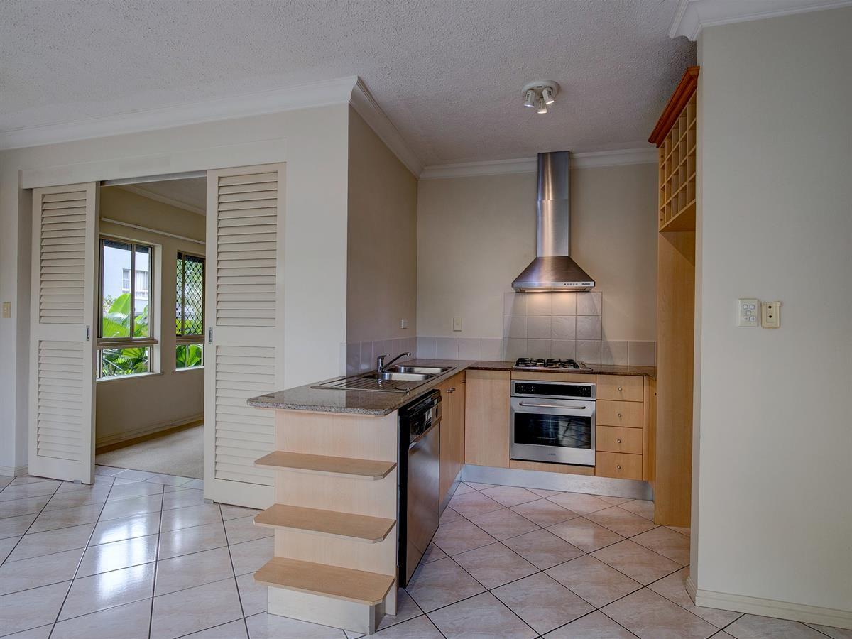 1207/2 Greenslopes Street, Cairns North QLD 4870, Image 1