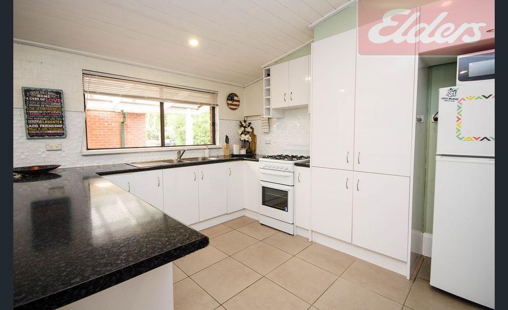 2/418 David Street, Albury NSW 2640, Image 2