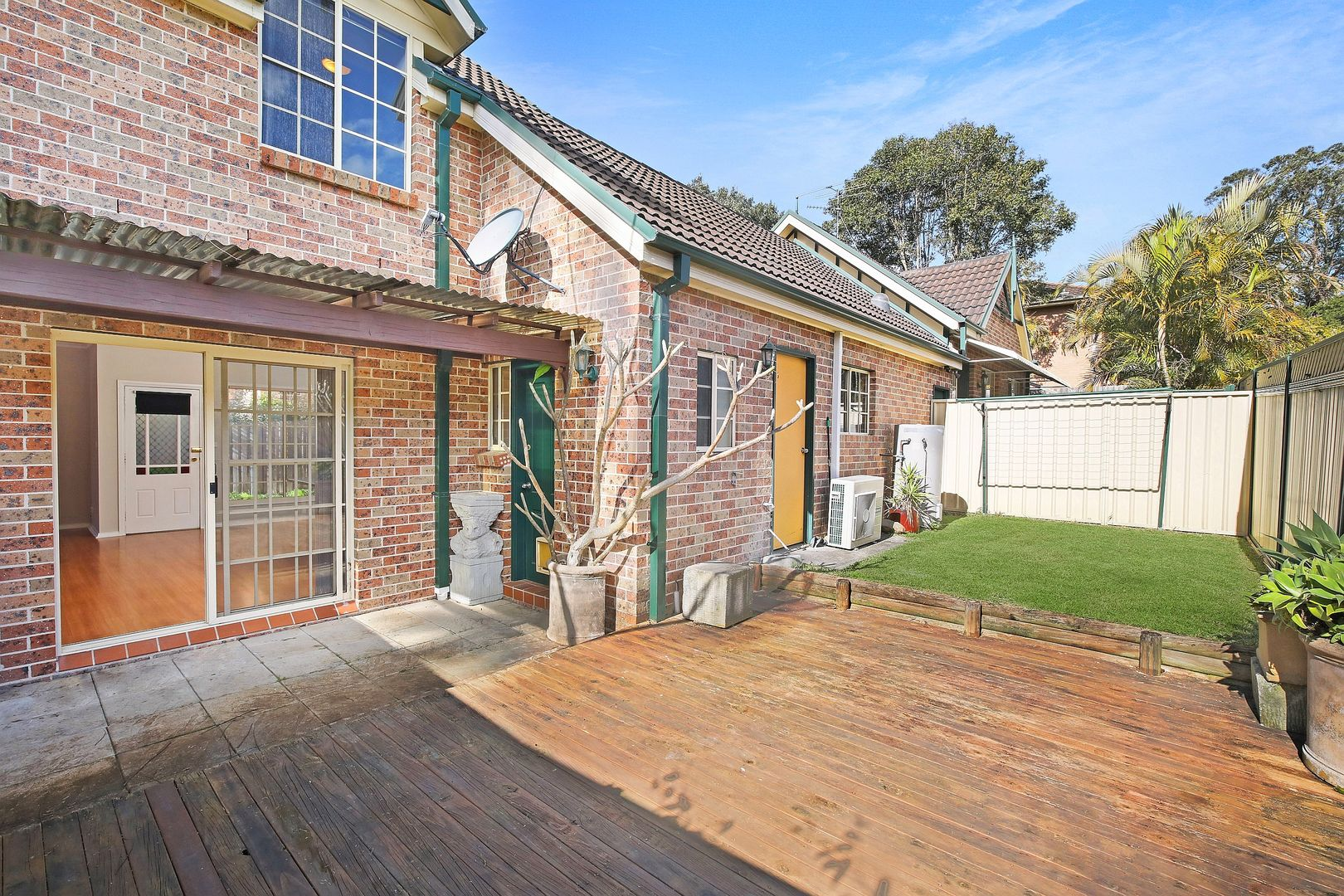 2/215 Brisbane Water Drive, Point Clare NSW 2250, Image 2