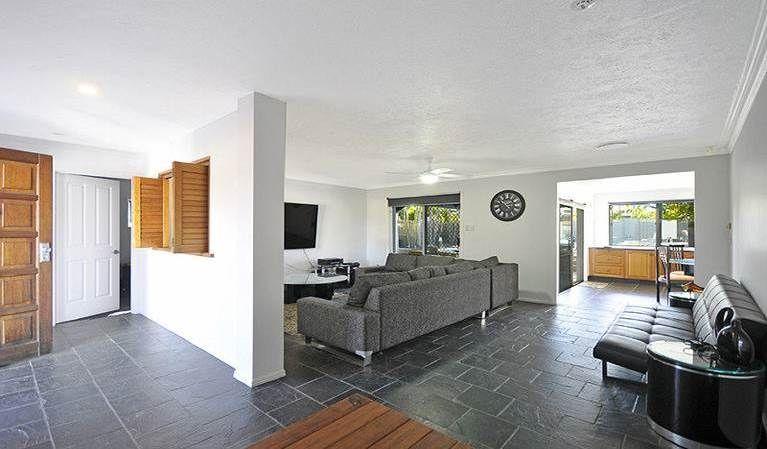 24 Boongala Road, Broadbeach Waters QLD 4218, Image 2