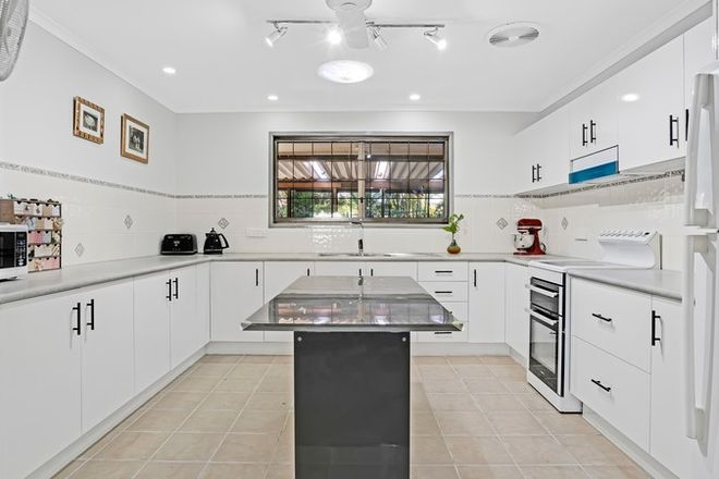 Picture of 17 Bryant Street, BEACHMERE QLD 4510