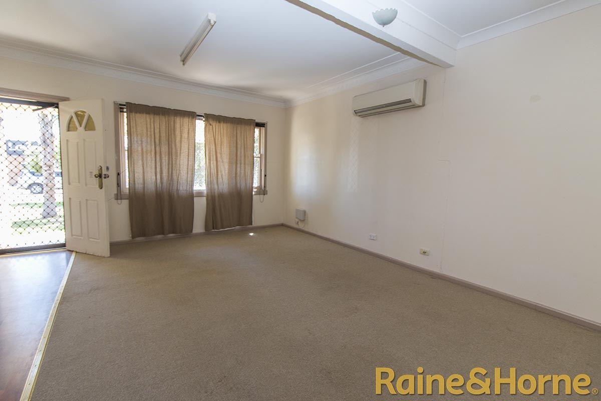12 Mansour Street, Dubbo NSW 2830, Image 1
