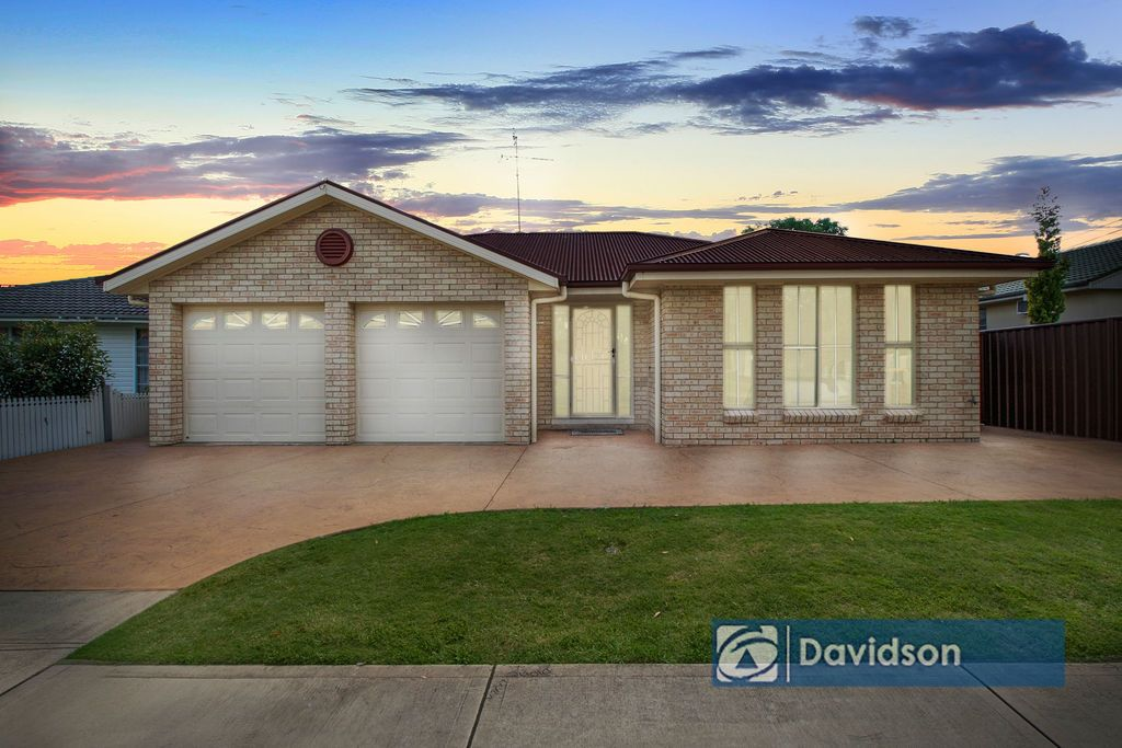 18 Miri Crescent, Holsworthy NSW 2173, Image 0