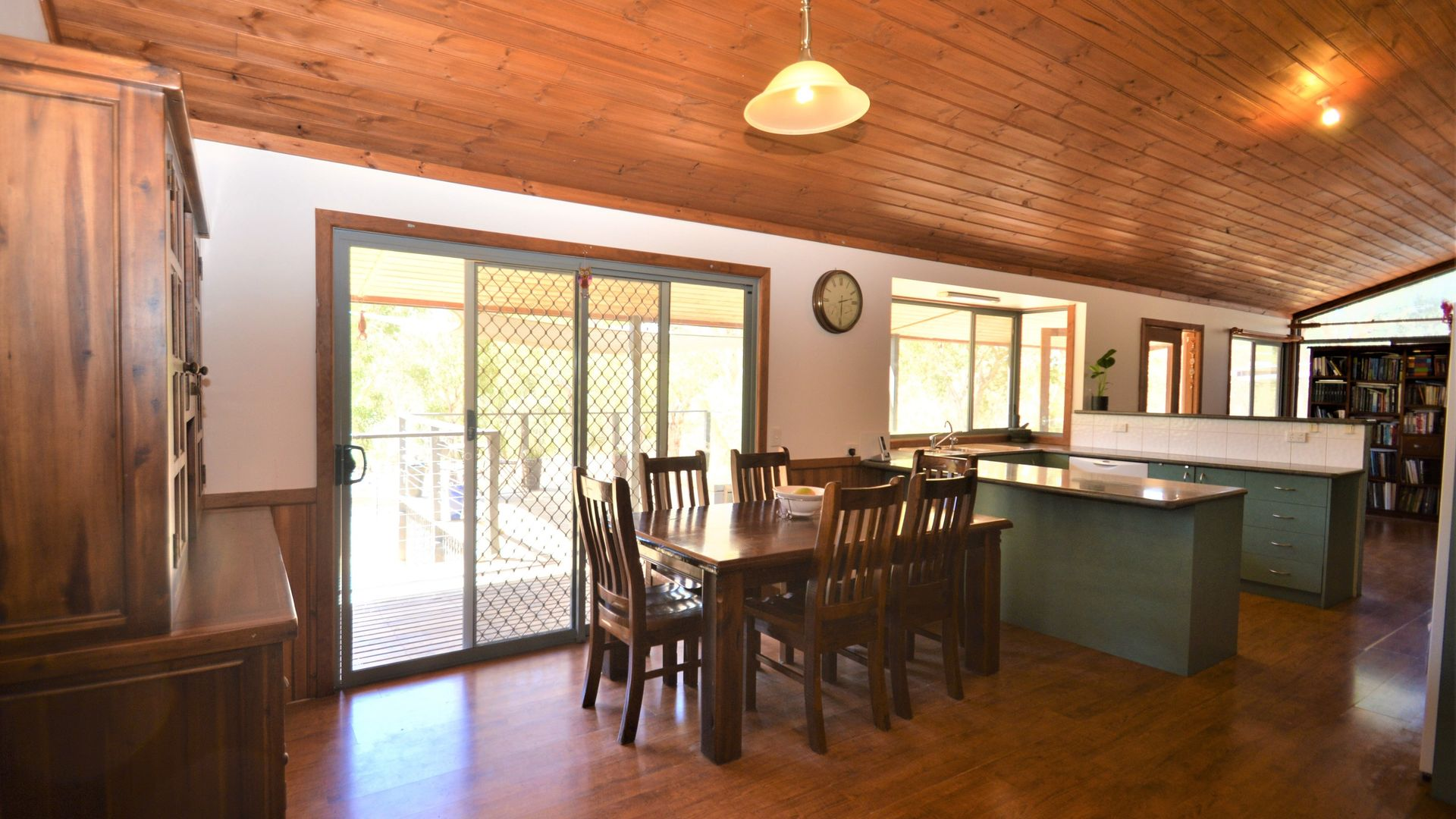 125 McFeeters Road West, Eldorado VIC 3746, Image 2
