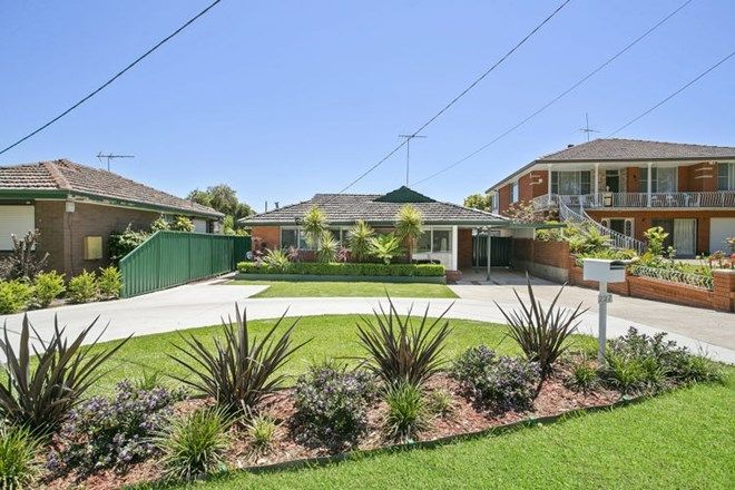 Picture of 237 Old Prospect Road, GREYSTANES NSW 2145