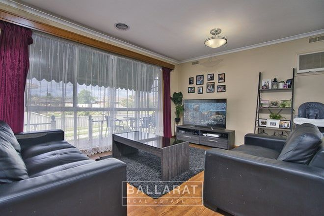 Picture of 46 Webbcona Parade, WENDOUREE VIC 3355