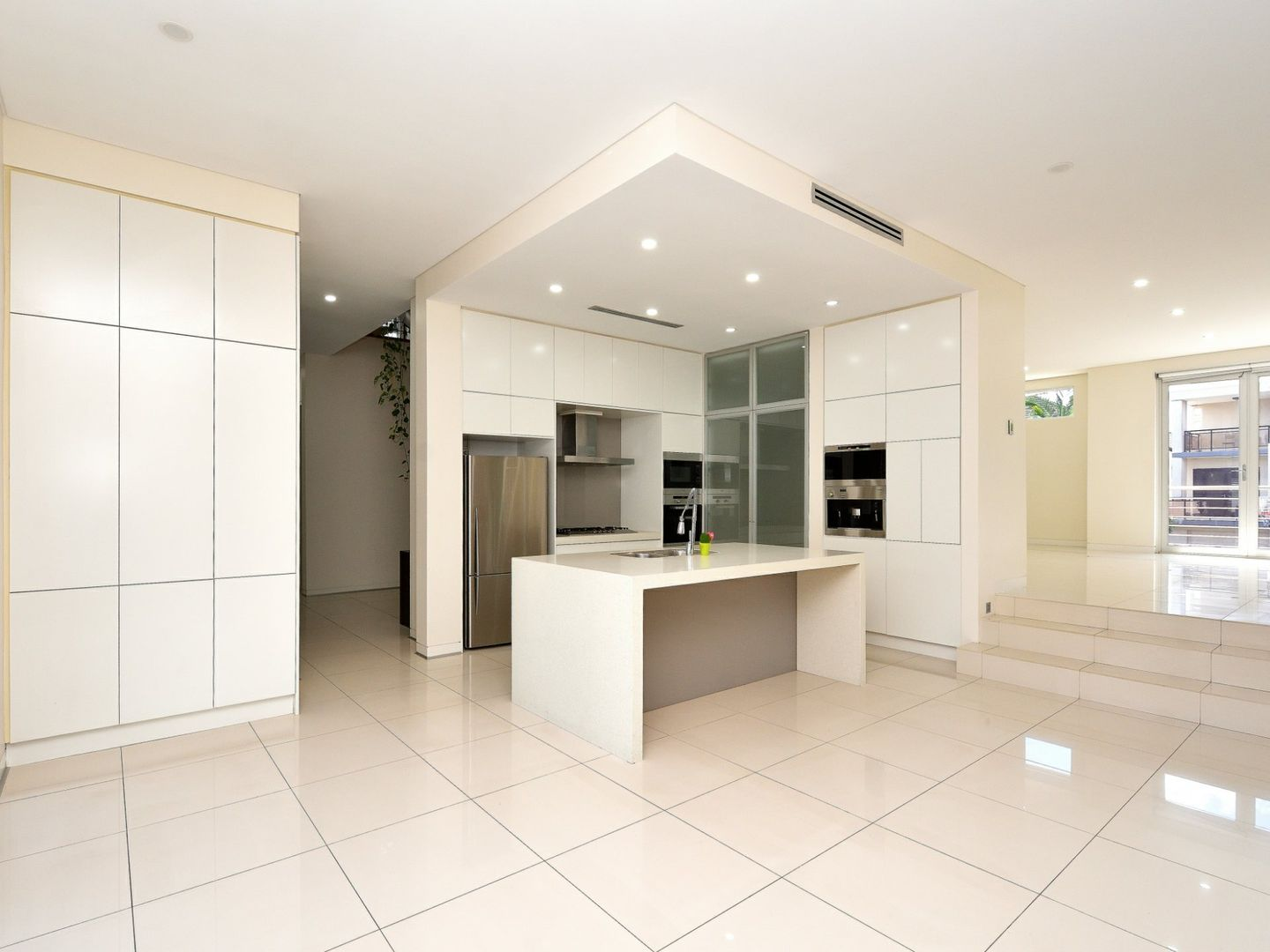 2 Ashburn Close, Bella Vista NSW 2153, Image 1