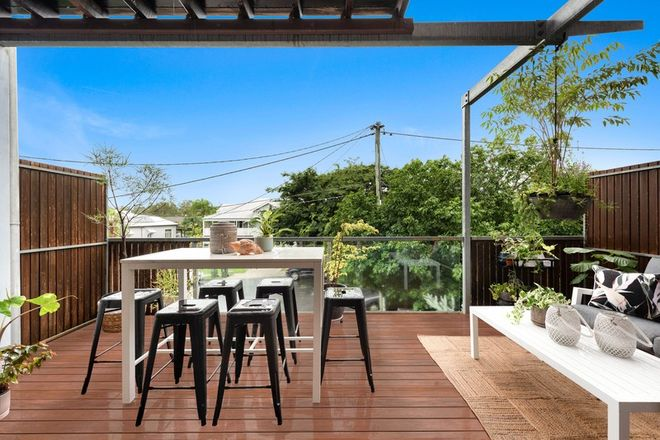 Picture of 2/9 Talbot Street, COORPAROO QLD 4151