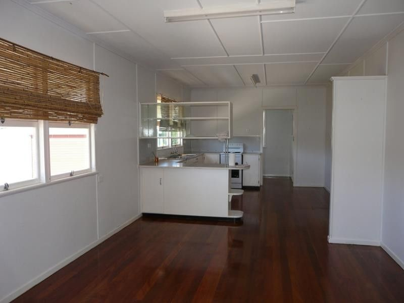 1 THIRD AVE, Scarborough QLD 4020, Image 2