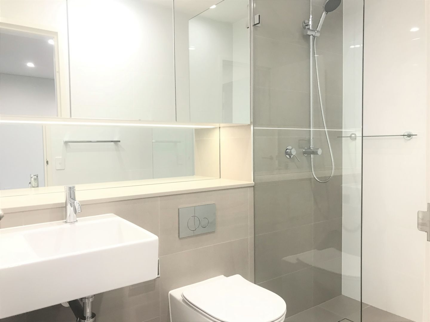 1008/150 Pacific Hwy, North Sydney NSW 2060, Image 2