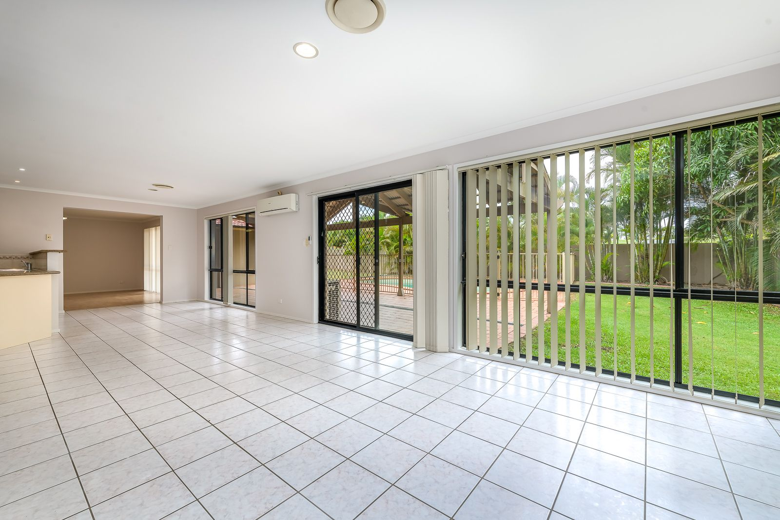 2 Deal Cove, Arundel QLD 4214, Image 2