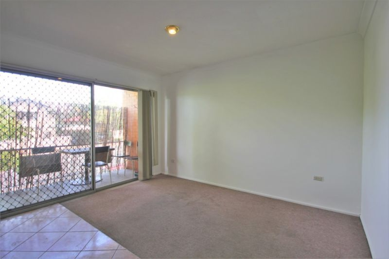 2/14 Holland Road, Holland Park QLD 4121, Image 1