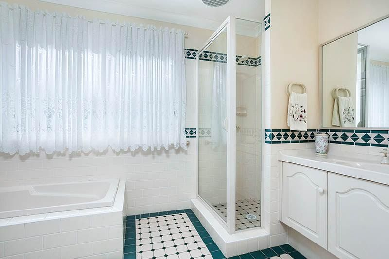 43 Jindabyne Road, Flinders NSW 2529, Image 1