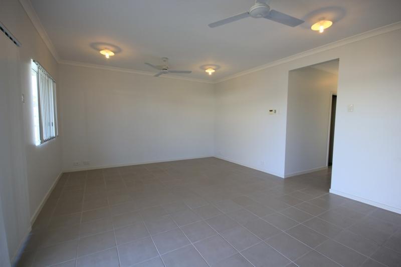 54F Dunlop  Street, Kelso QLD 4815, Image 2
