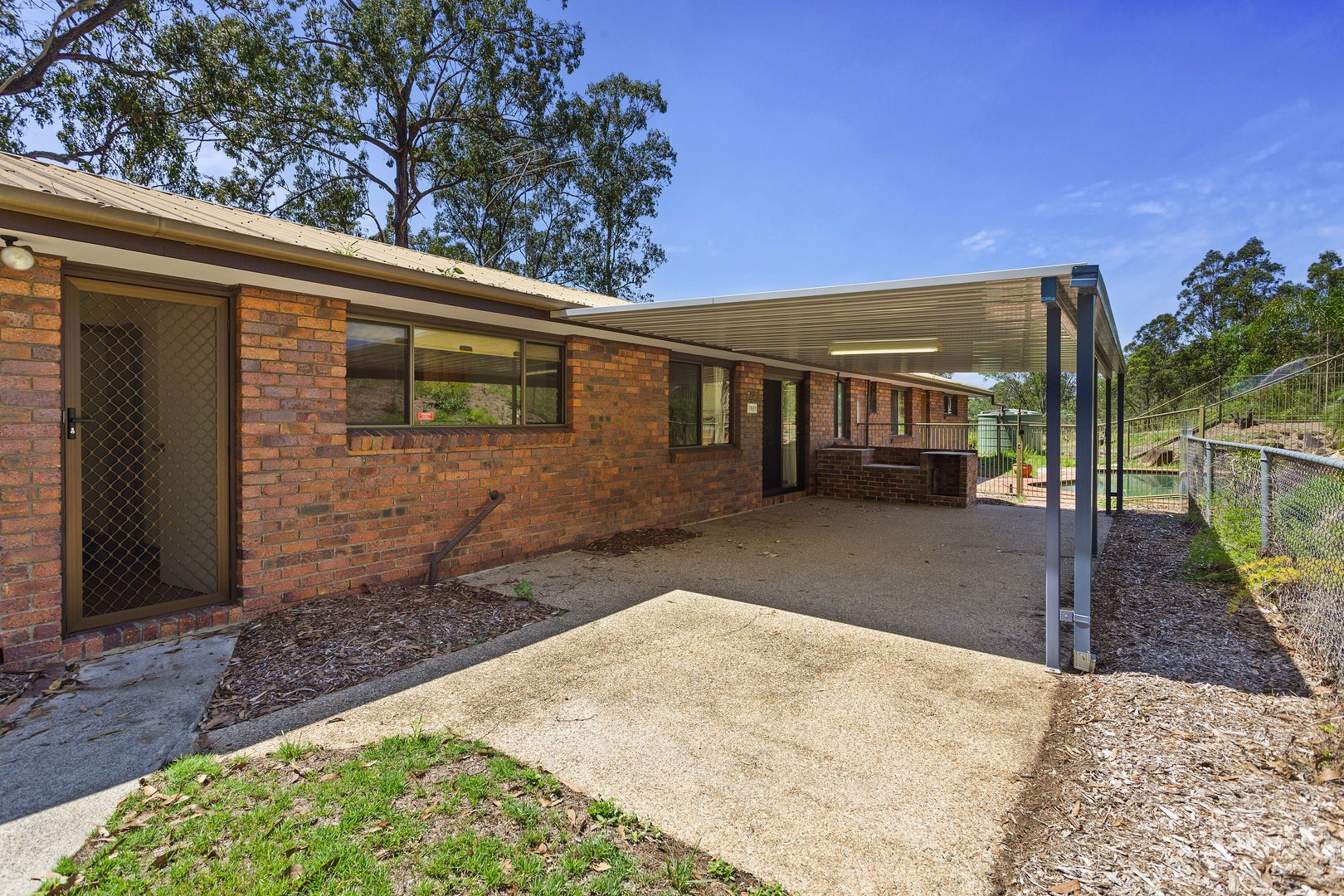 220 Jones Rd, Bellbird Park QLD 4300, Image 1