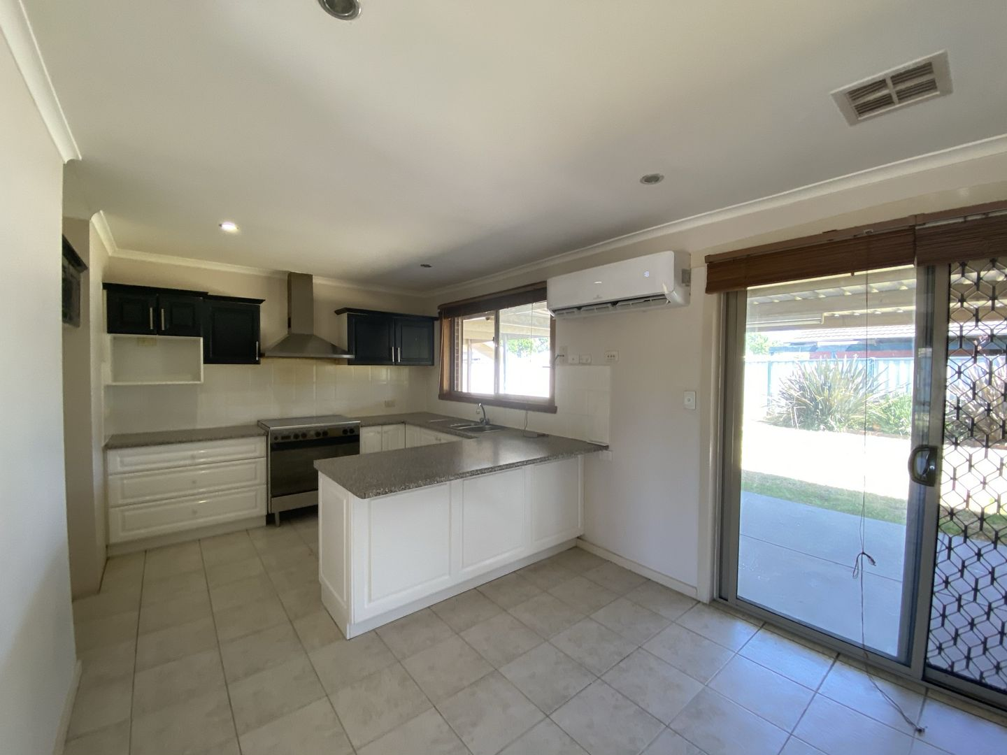 68 Pandora Avenue, Thomastown VIC 3074, Image 2