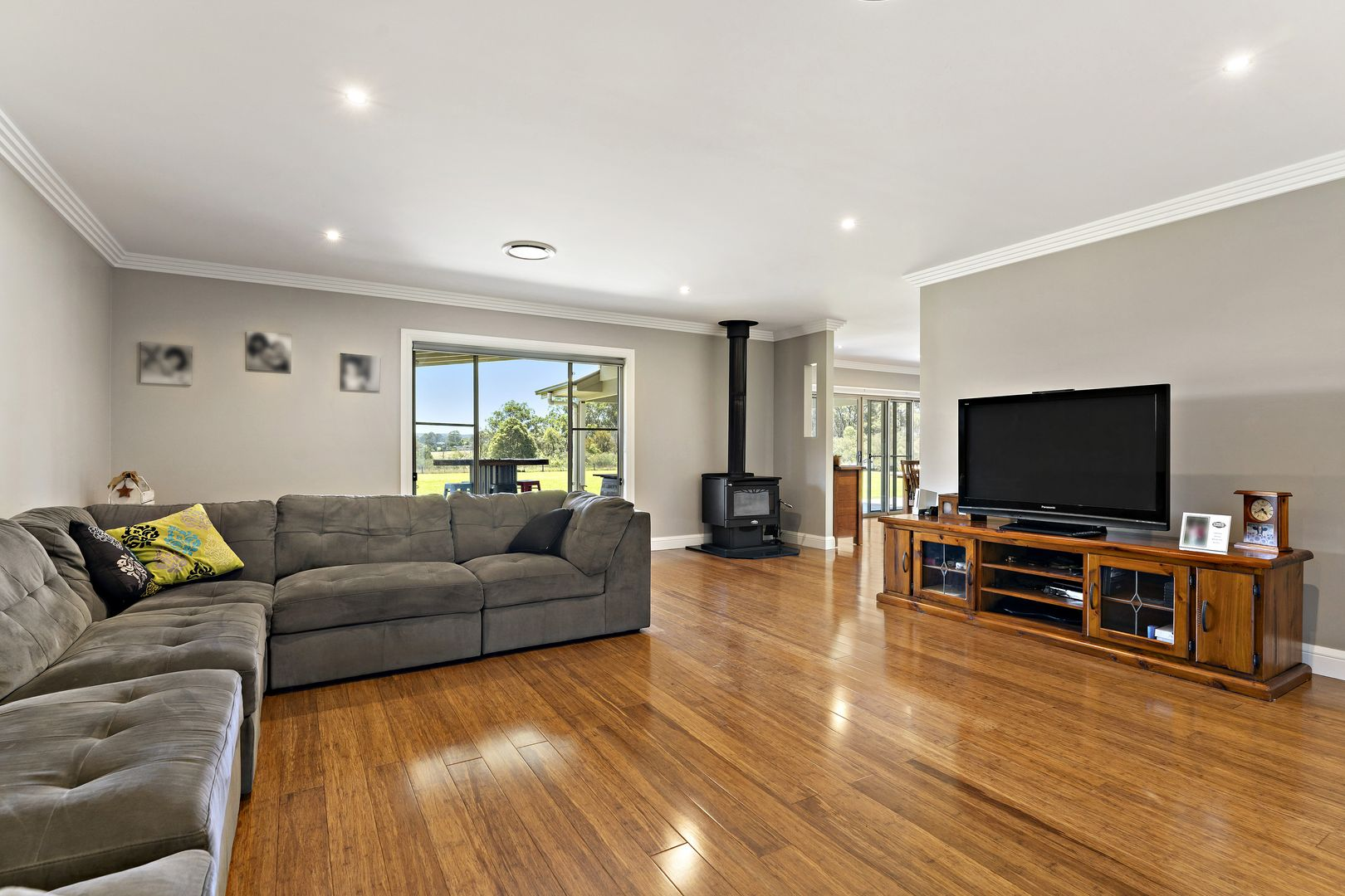 55 Lincoln Drive, Orangeville NSW 2570, Image 2