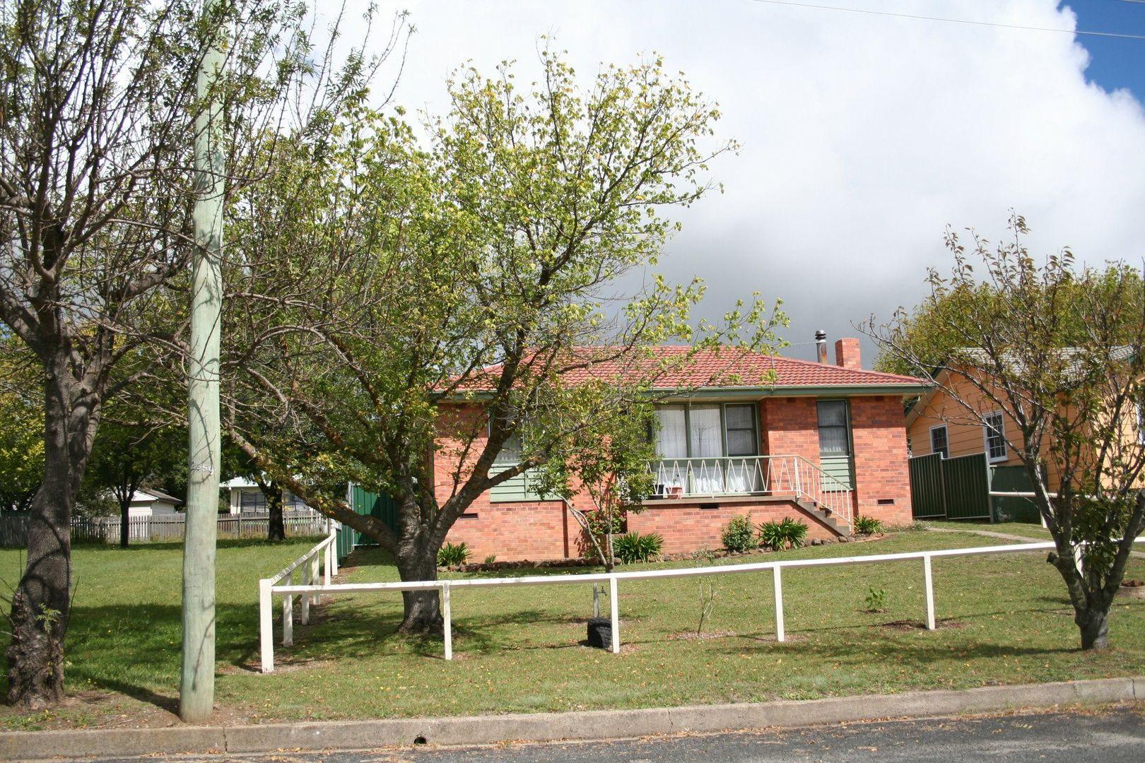 9 Robinson Avenue, Glen Innes NSW 2370, Image 0