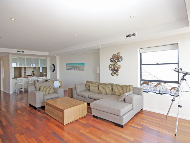 4/25 Tomaree Street, Nelson Bay NSW 2315, Image 2