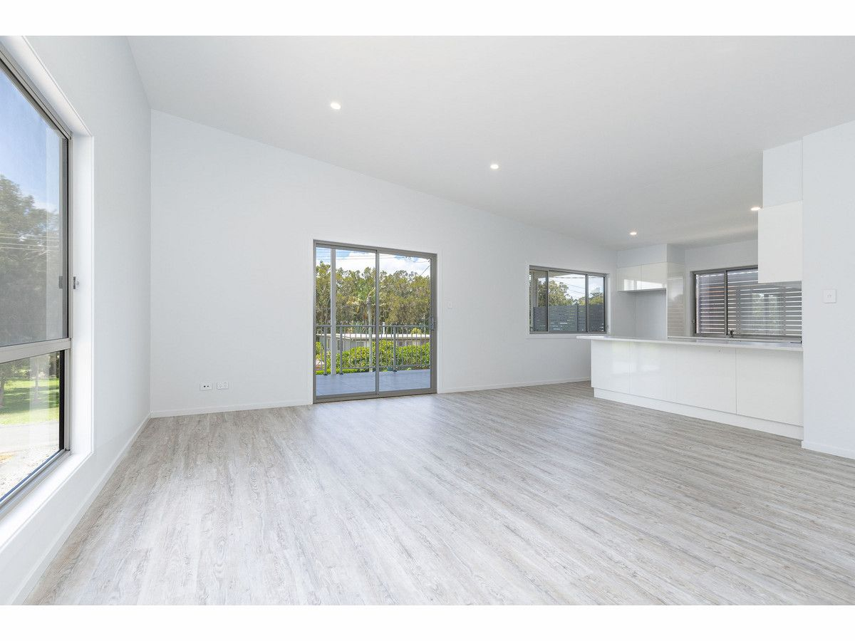 11 Seabreeze Parade, Green Point NSW 2428, Image 2