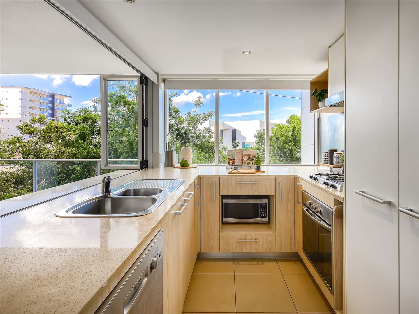 107/51 Hope Street, Spring Hill QLD 4000, Image 2