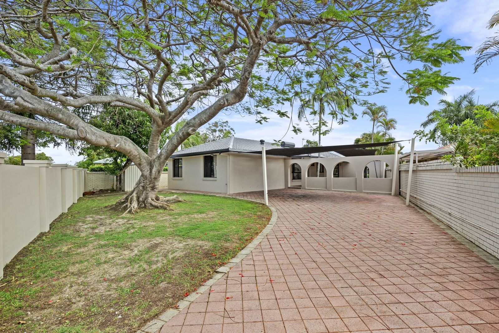 10 Helm  Court, Mermaid Waters QLD 4218, Image 1