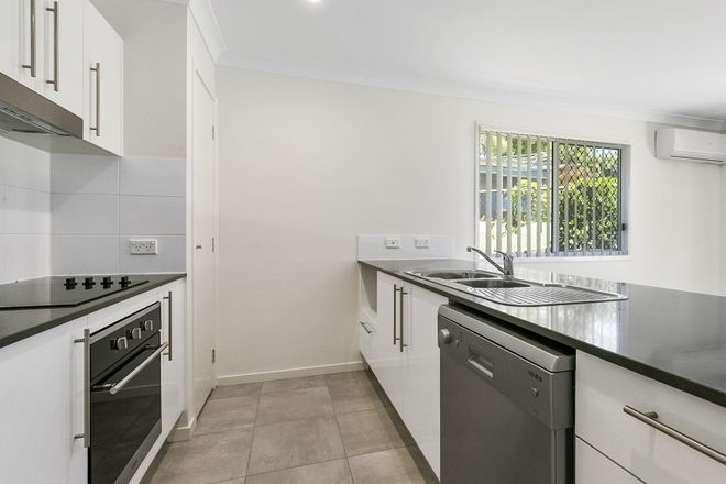 Picture of 1/15A Herswell Avenue, WYNNUM WEST QLD 4178