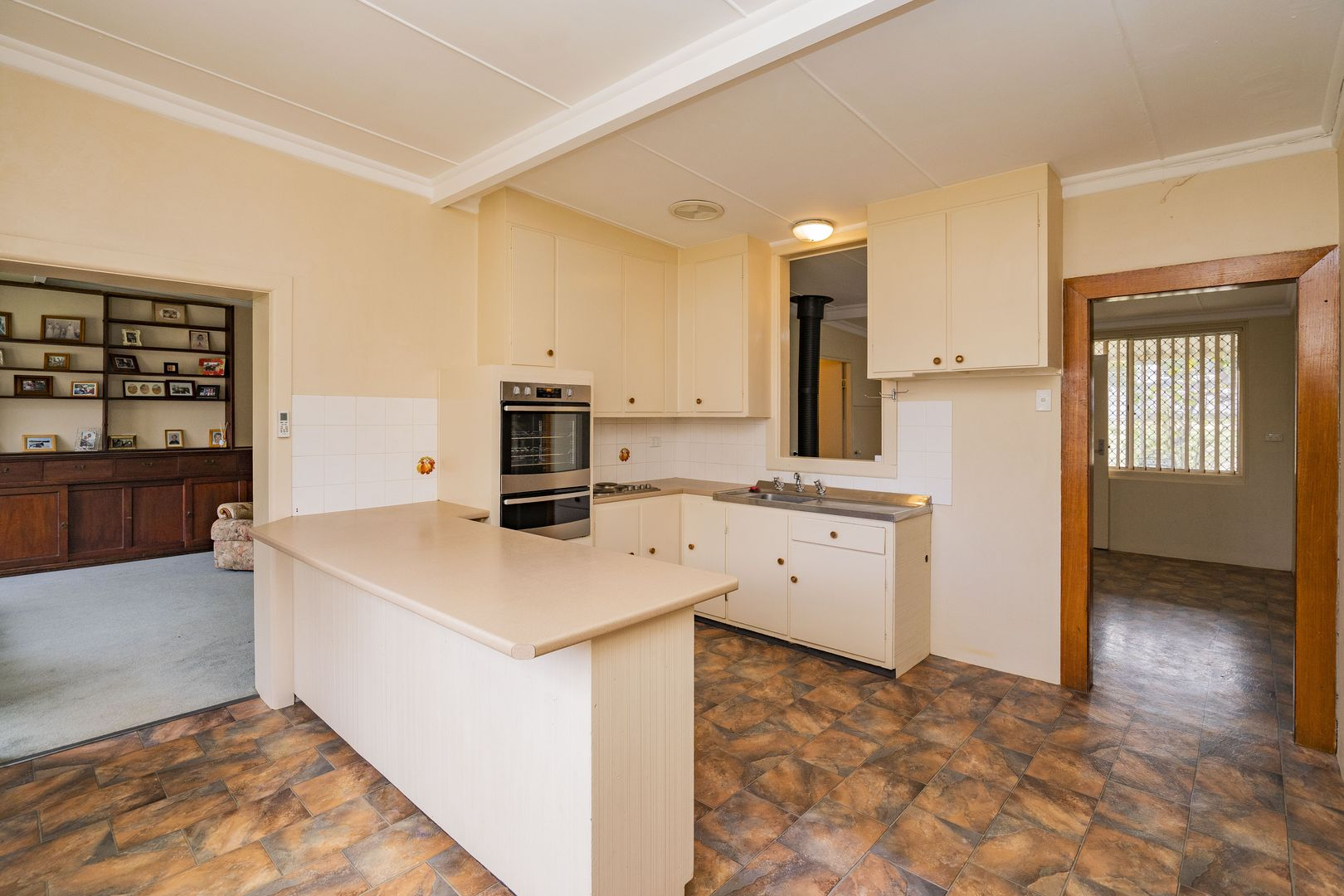85 Douglas  Street, Narrandera NSW 2700, Image 2