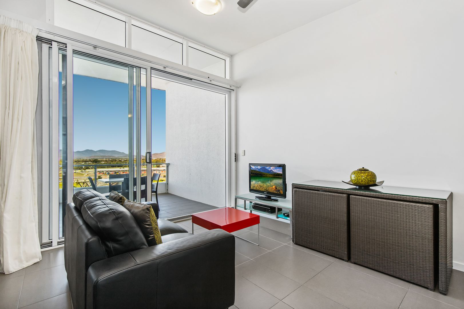 75/2-4 Kingsway Place, Townsville City QLD 4810, Image 2