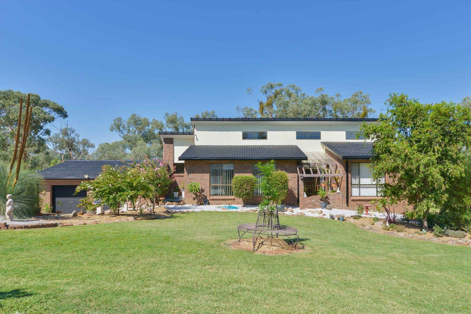 27 Austral Road, Tamworth NSW 2340, Image 0