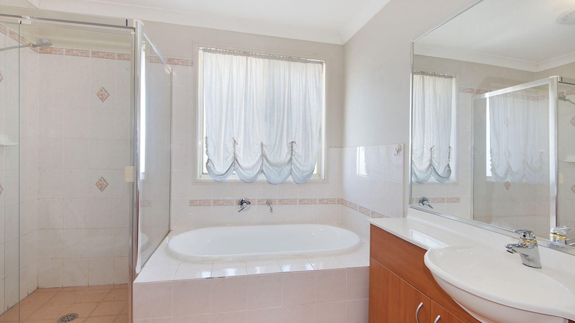 112 Redden Drive, Kellyville NSW 2155, Image 2