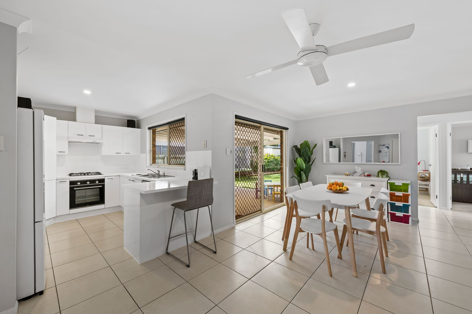 47 Lakeshore Place, Little Mountain QLD 4551, Image 1