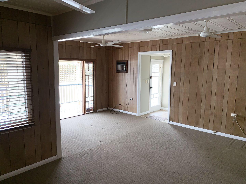 59 Collinson Street, Westcourt QLD 4870, Image 2