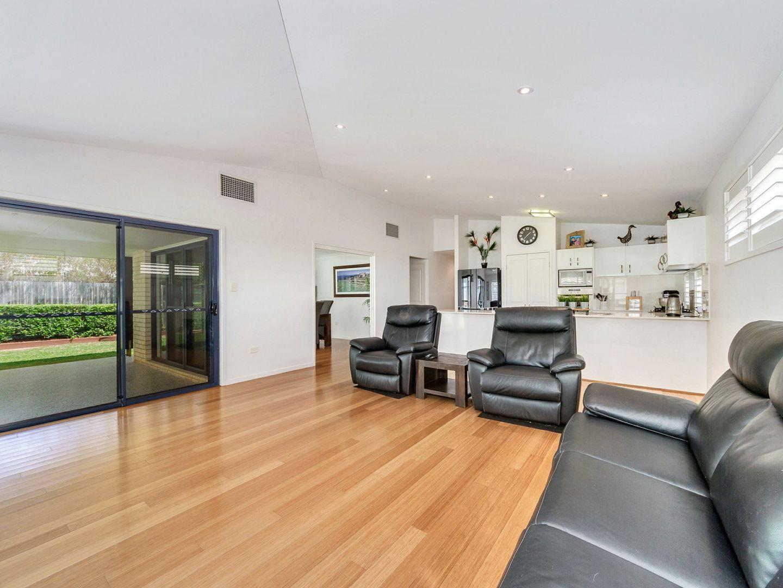19 Hillcrest Court, Murrumba Downs QLD 4503, Image 2