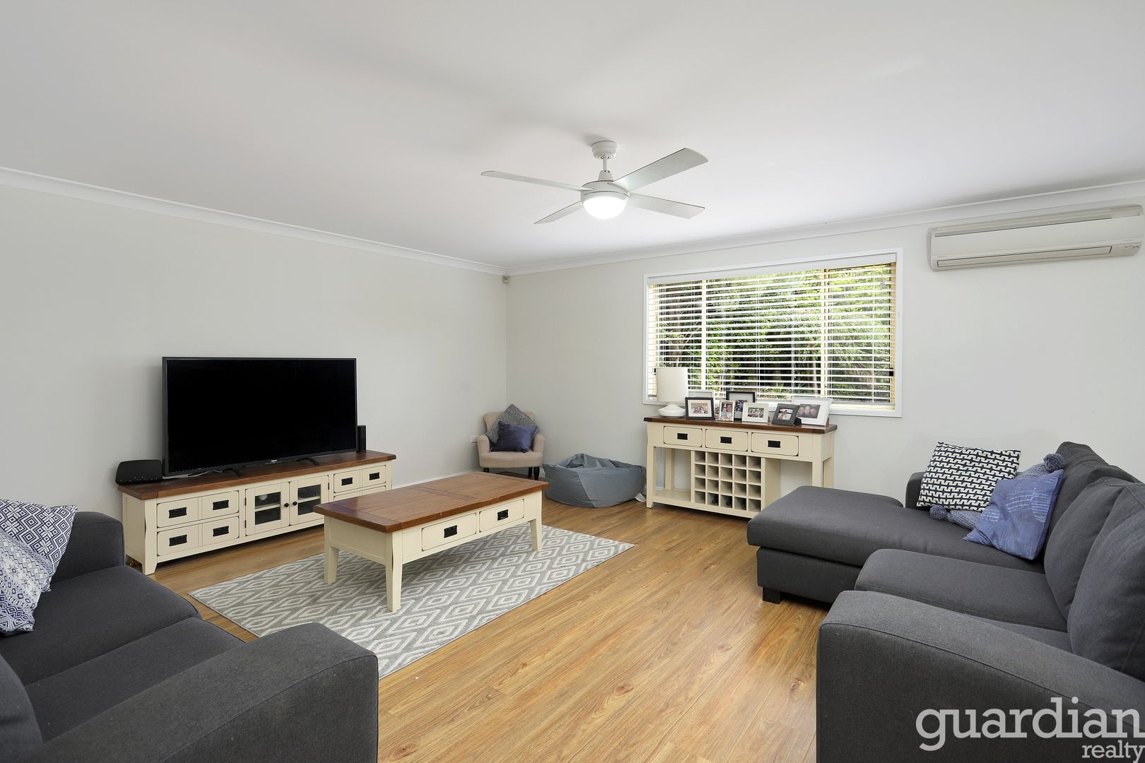 8 Coomalie Avenue, Castle Hill NSW 2154, Image 2