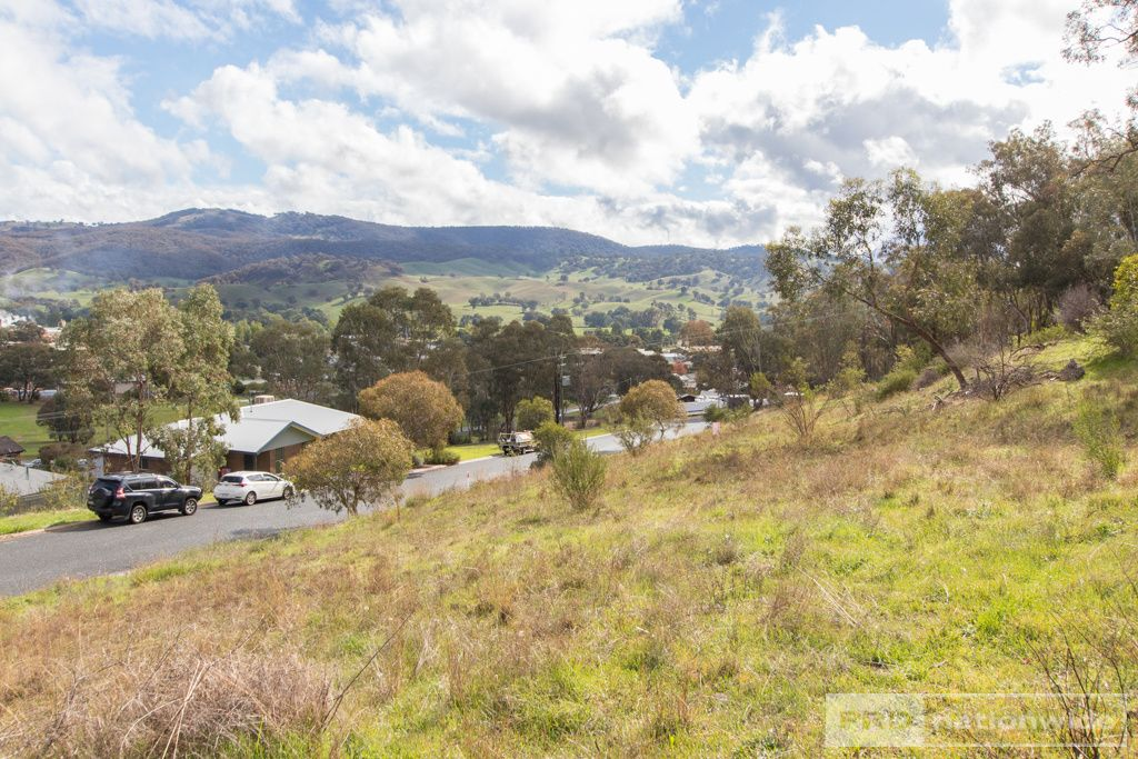 7 & 9 Eberlin Place, Tumut NSW 2720, Image 1