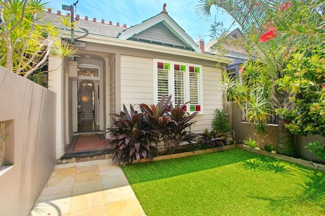 Picture of 28 Pine  Street, MANLY NSW 2095