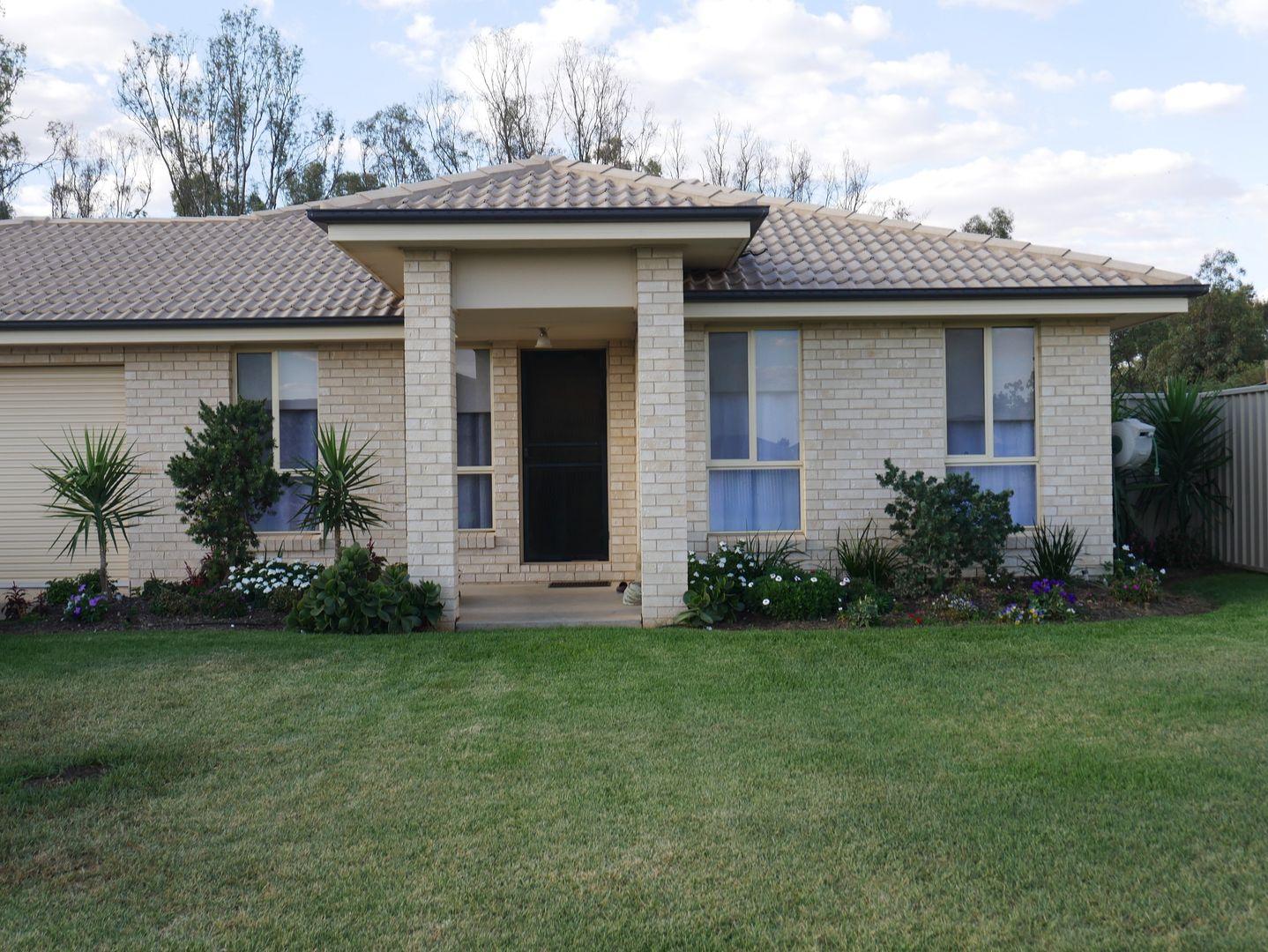 25 Golf Club Drive, Leeton NSW 2705, Image 0