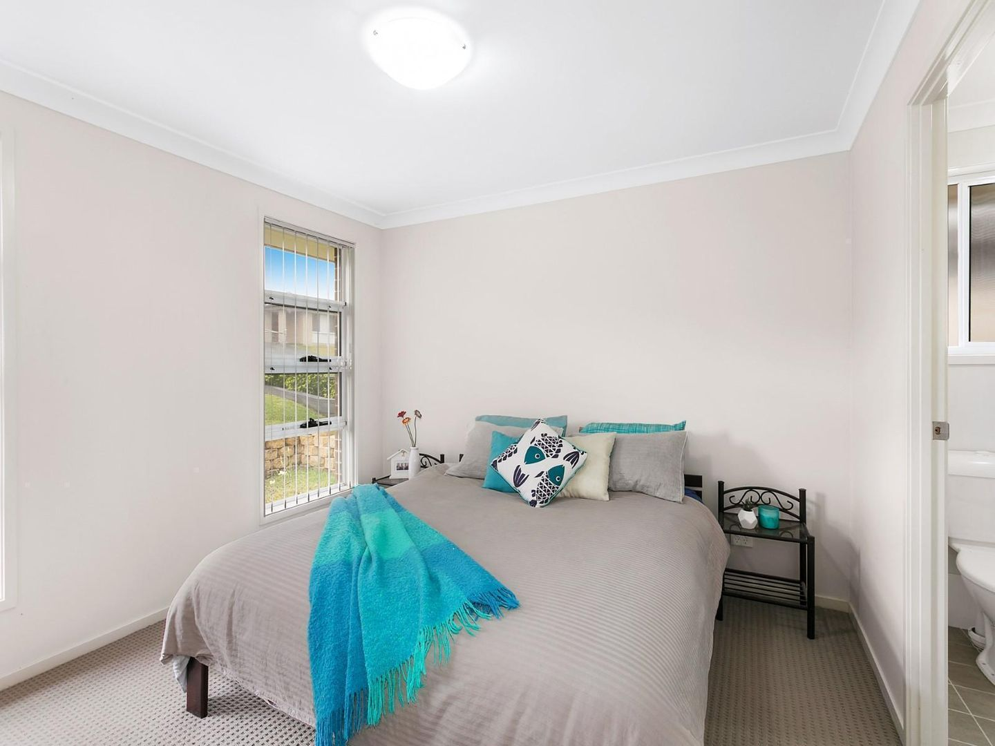 51 Belyando Crescent, Blue Haven NSW 2262, Image 2
