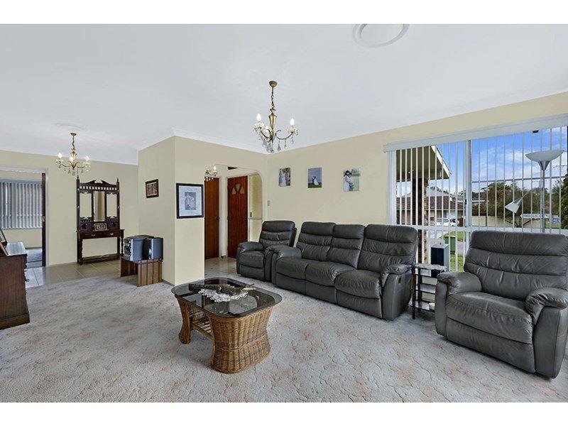 43 Yimbala Street, Killarney Vale NSW 2261, Image 2