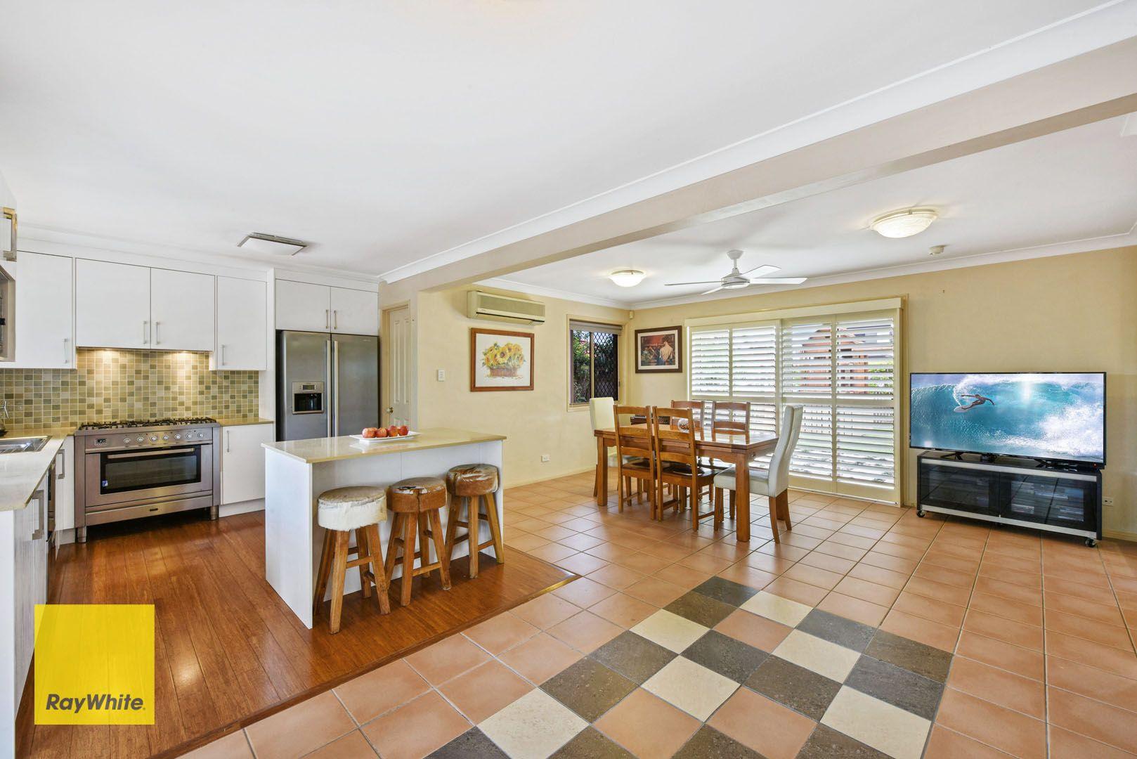 73 Oakmont Avenue, Oxley QLD 4075, Image 2